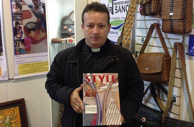 Bolsos y accesorios artesanales de la fundación Artsuma