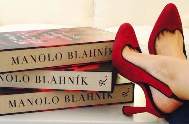 Manolo Blahnik revive 40 años de historia con libro y anuncia documental