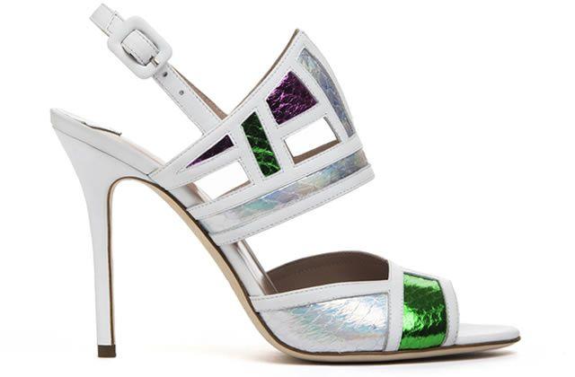 Geometría y arquitectura en nueva colección de zapatos Aperlai