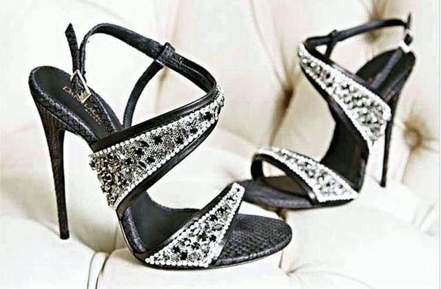 Lujo exótico en zapatos de Daniela González