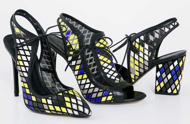 Zapatos de Greymer que reflejan el mundo virtual