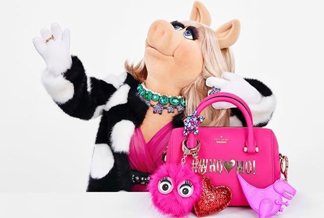 Miss Piggy y Kate Spade unidas en colección de bolsos y accesorios