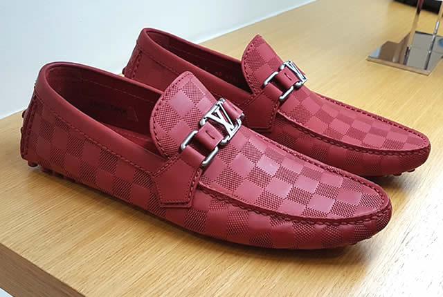 Zapatos masculinos de Louis Vuitton artesanía de lujo