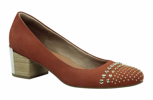 Zapatos que absorben la energía electromagnética del cuerpo