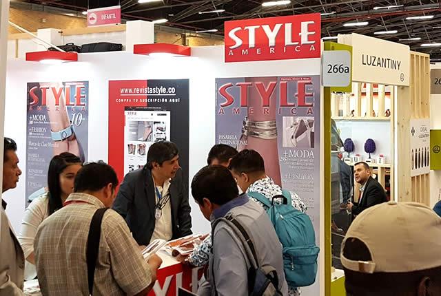 Stand revista STYLE AMERICA en IFLS+EICI