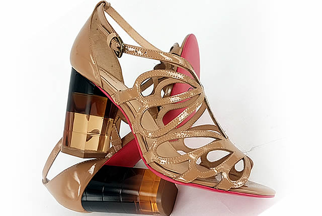 zapato tendencia transparente